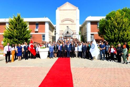 Ege Üniversitesi Çeşme Turizm Fakültesi, fakülte niteliğiyle ilk akademik yılına başladı