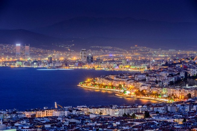 İzmir'de Konut Satışları Neden Düşüyor? Neler Yapılmalı?