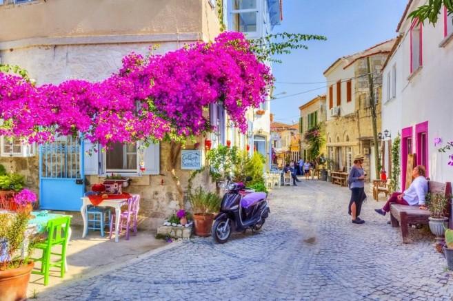 """Mansion Global: """" Alaçatı, eşsiz Yunan lezzetine sahip bir Türk cennetidir """""""
